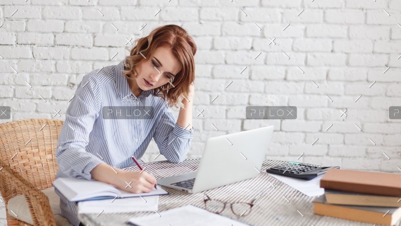 demo-attachment-159-woman-freelancer-female-hands-with-pen-writing-on-P369BAX1